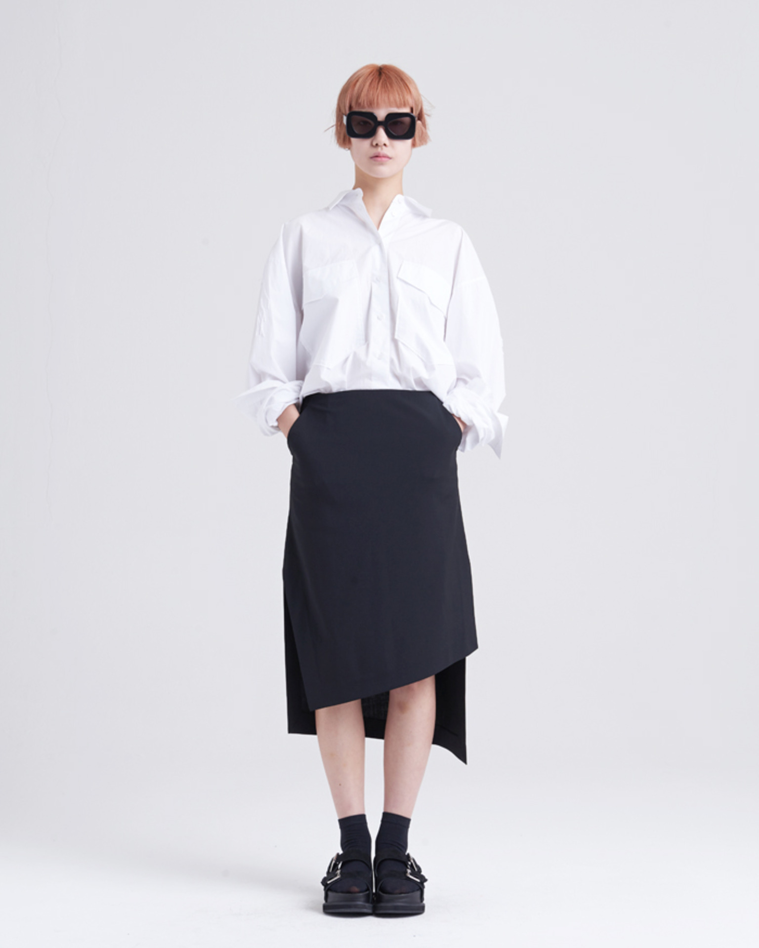 UNBALANCE BLACK SKIRT