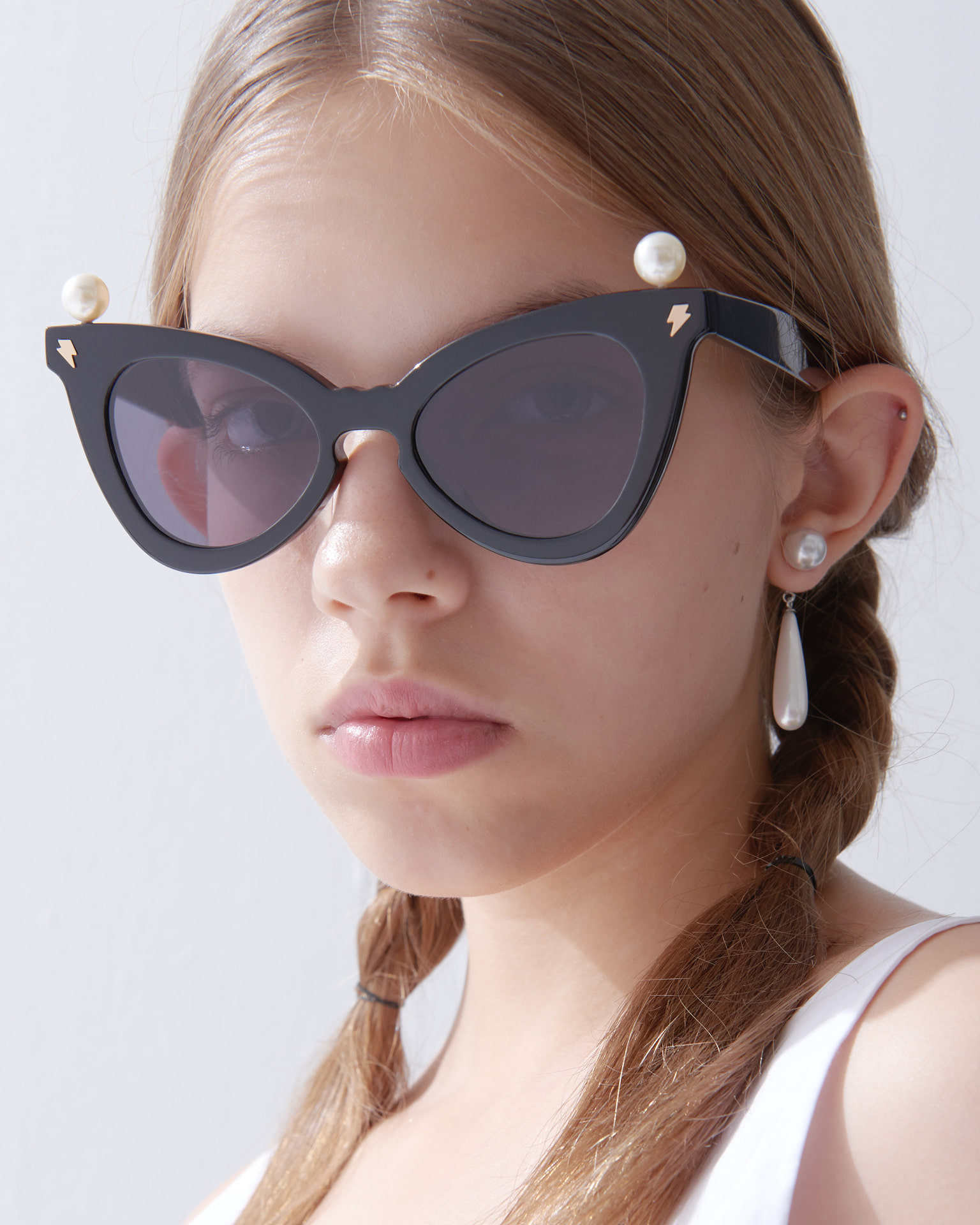 PEARL CROWN SUNGLASSES