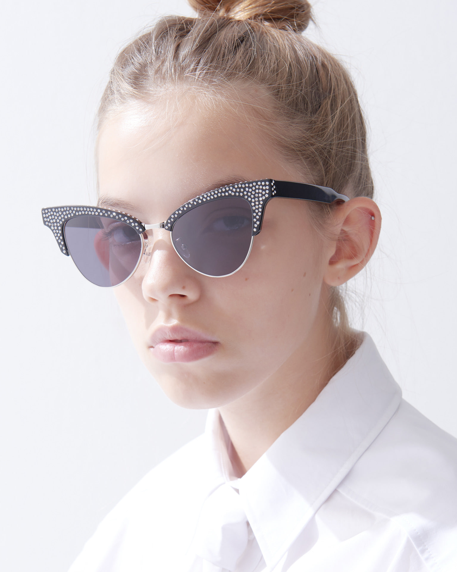 UNDER METAL SWAROVSKI SUNGLASSES