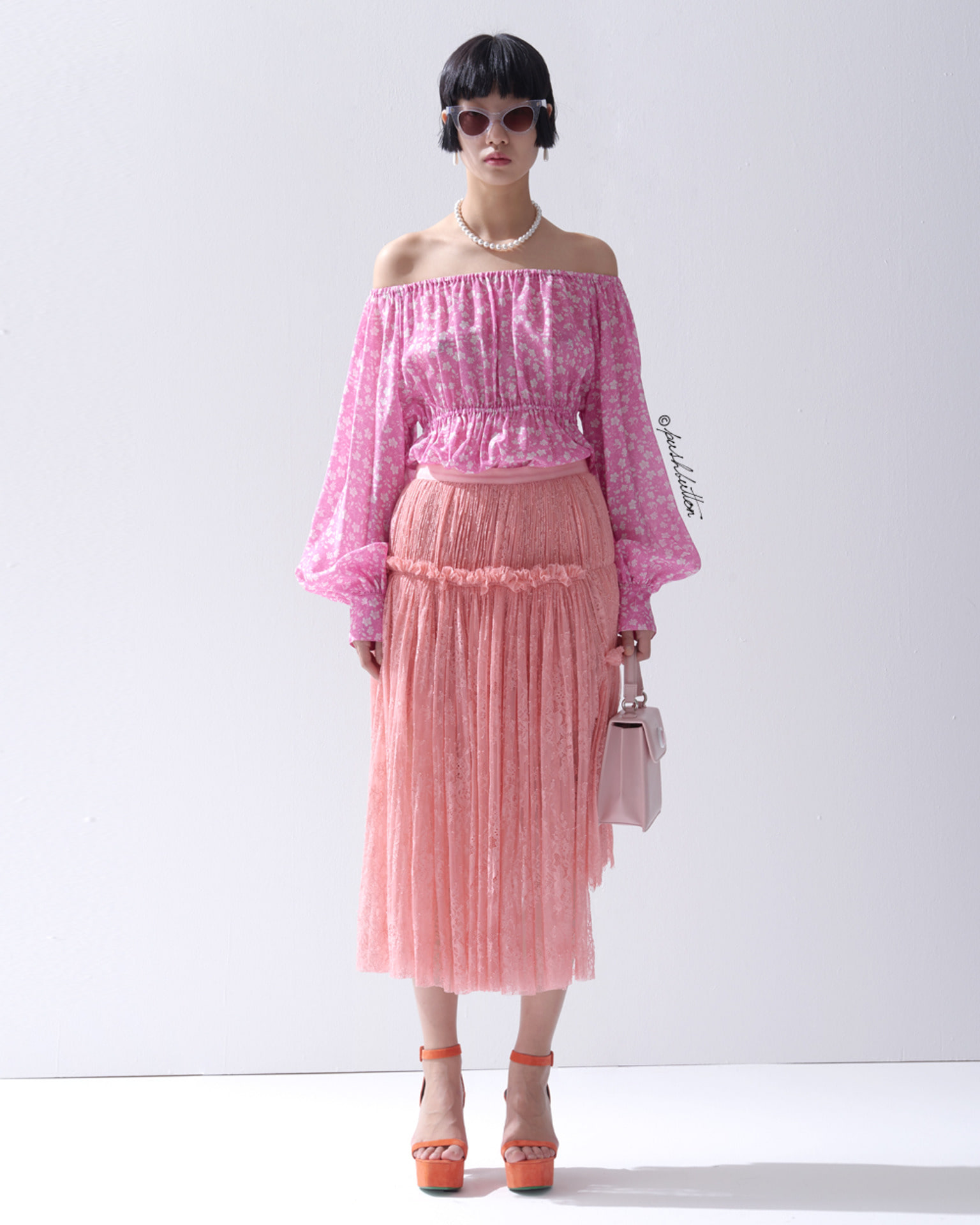 SHIRRING POINT LACE SKIRT