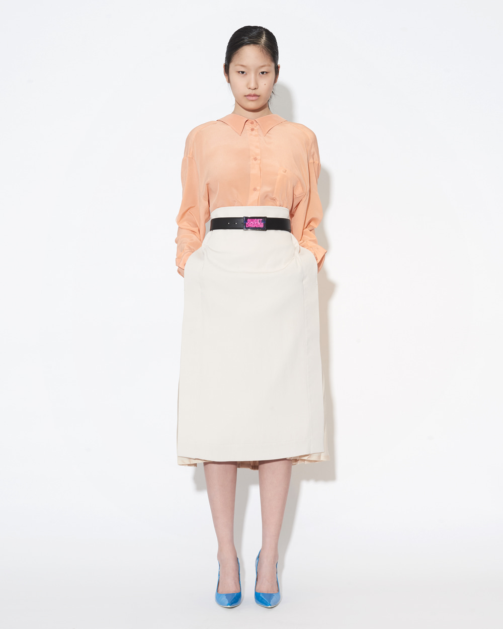 BACK PLEATED SKIRT