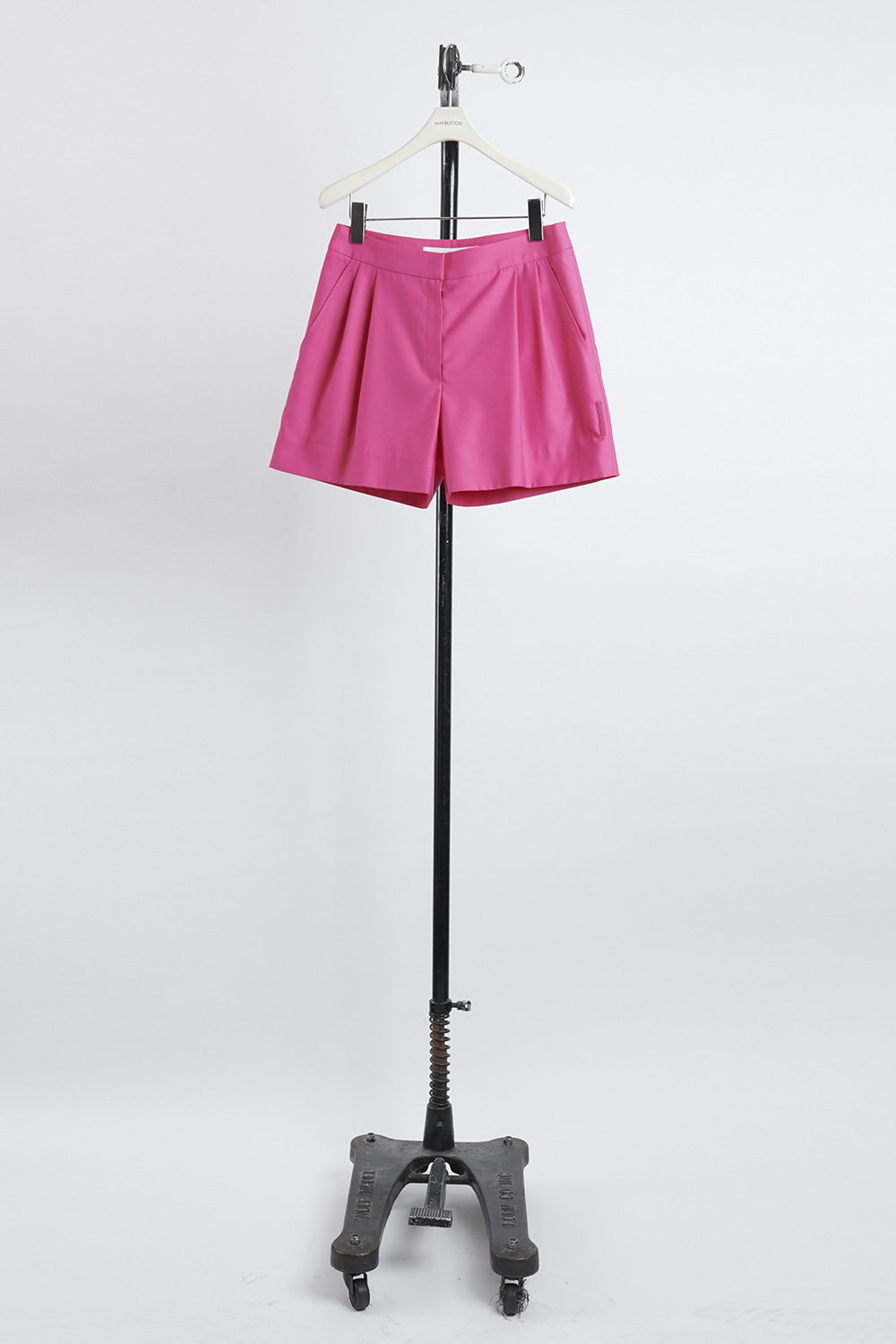 HS21 PINK TUCK DETAIL SHORTS