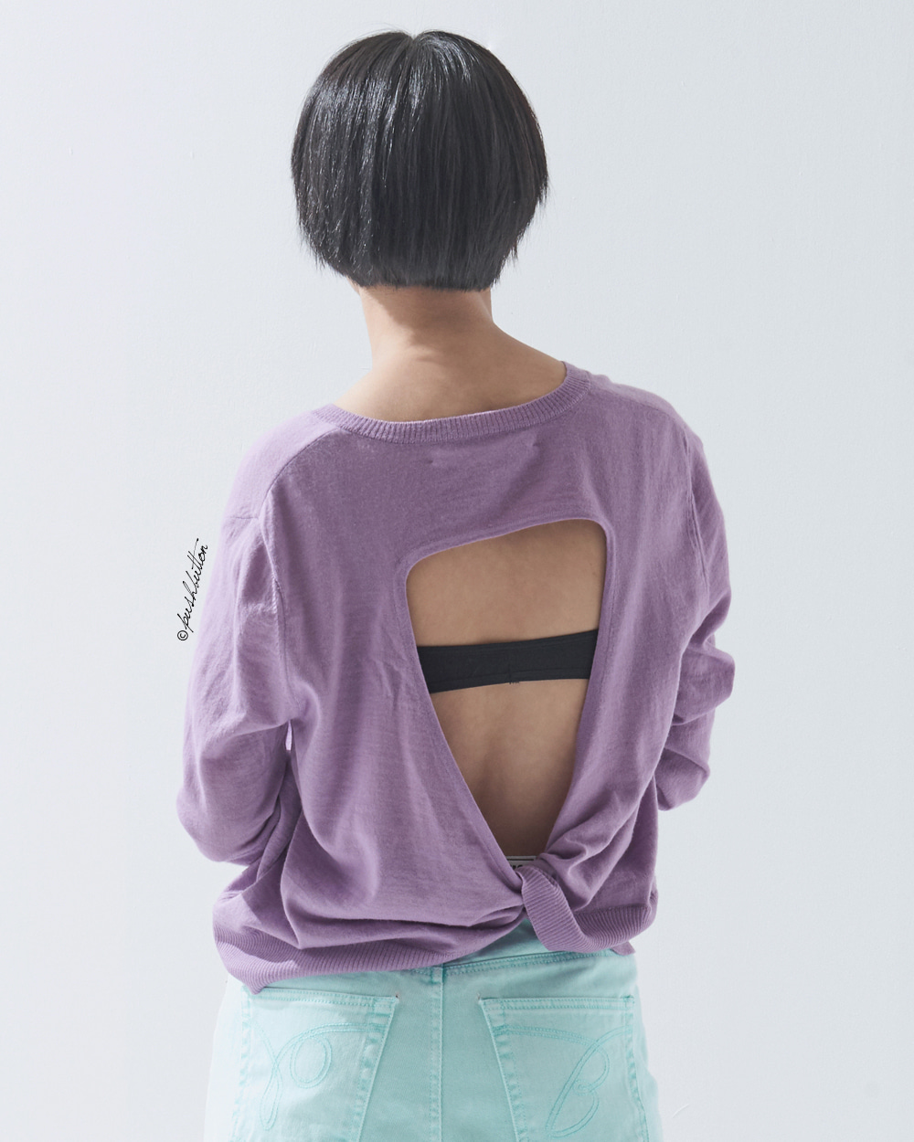 OPEN BACK-TWISTED KNIT TOP