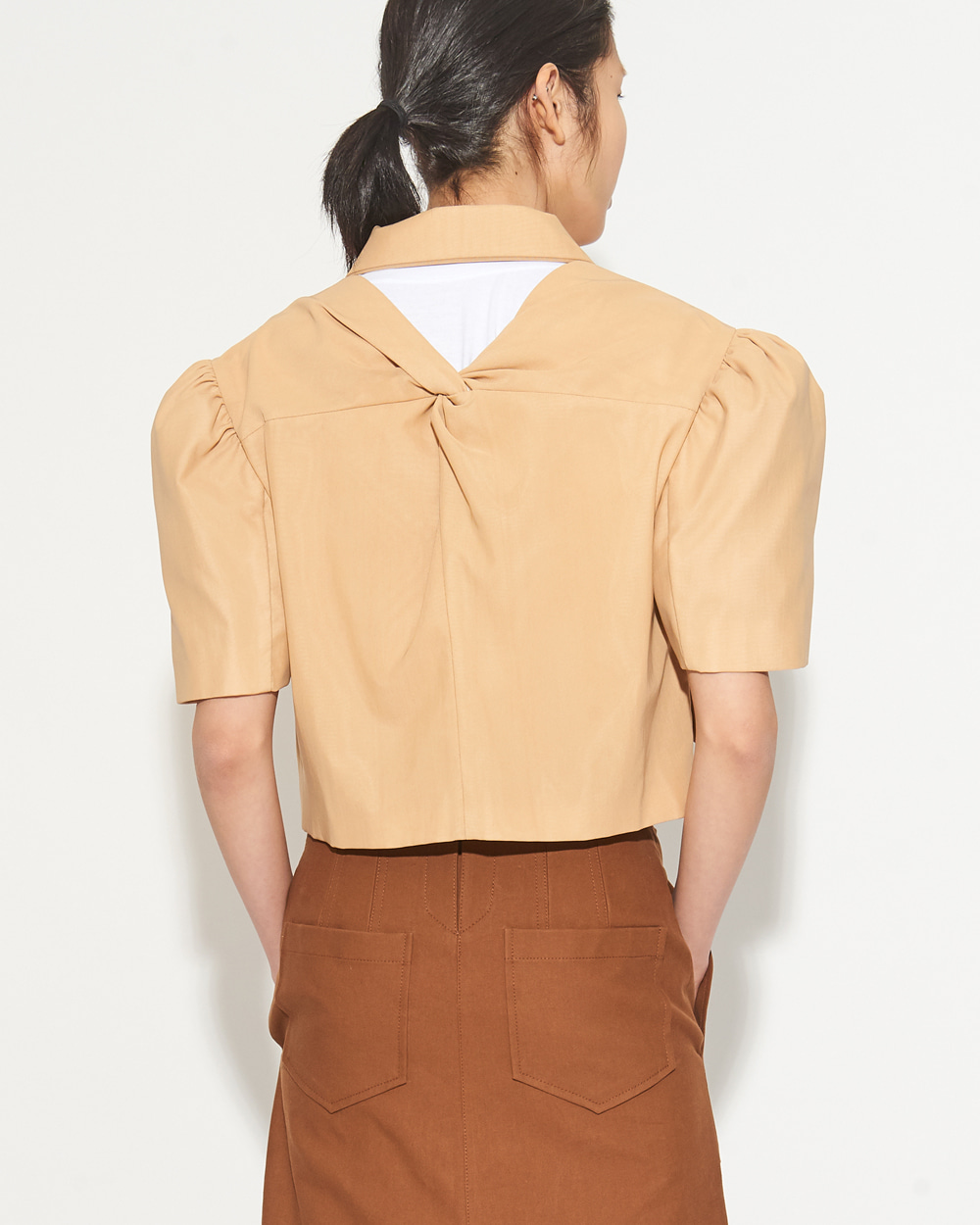 SHORT SLEEVED VOLUME JACKET