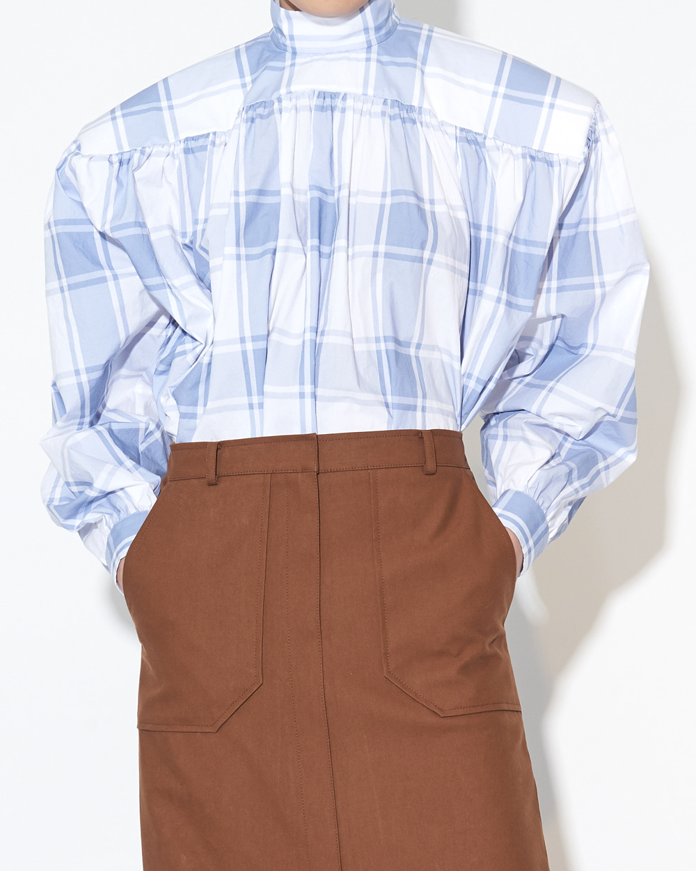 BOX SHOULDER SHIRRING SHIRT