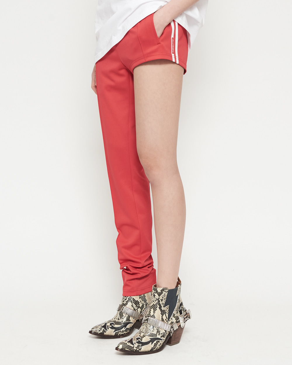ONE-LEG JOGGING PANTS