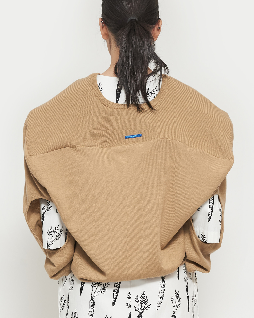 SS19 BOX SHOULDER V-NECK KNIT