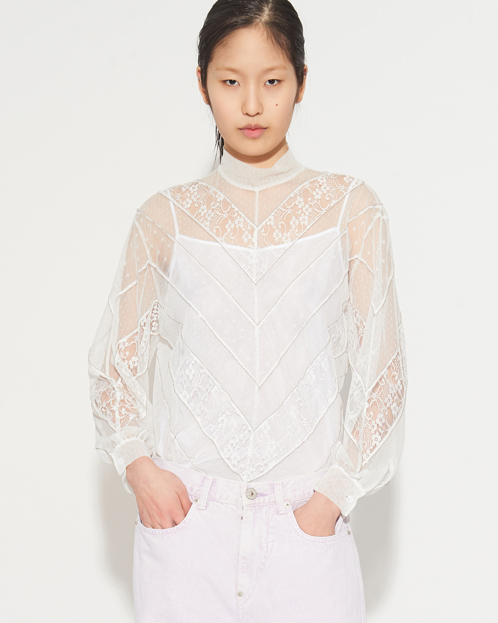 DIAGONAL LINE LACE BLOUSE