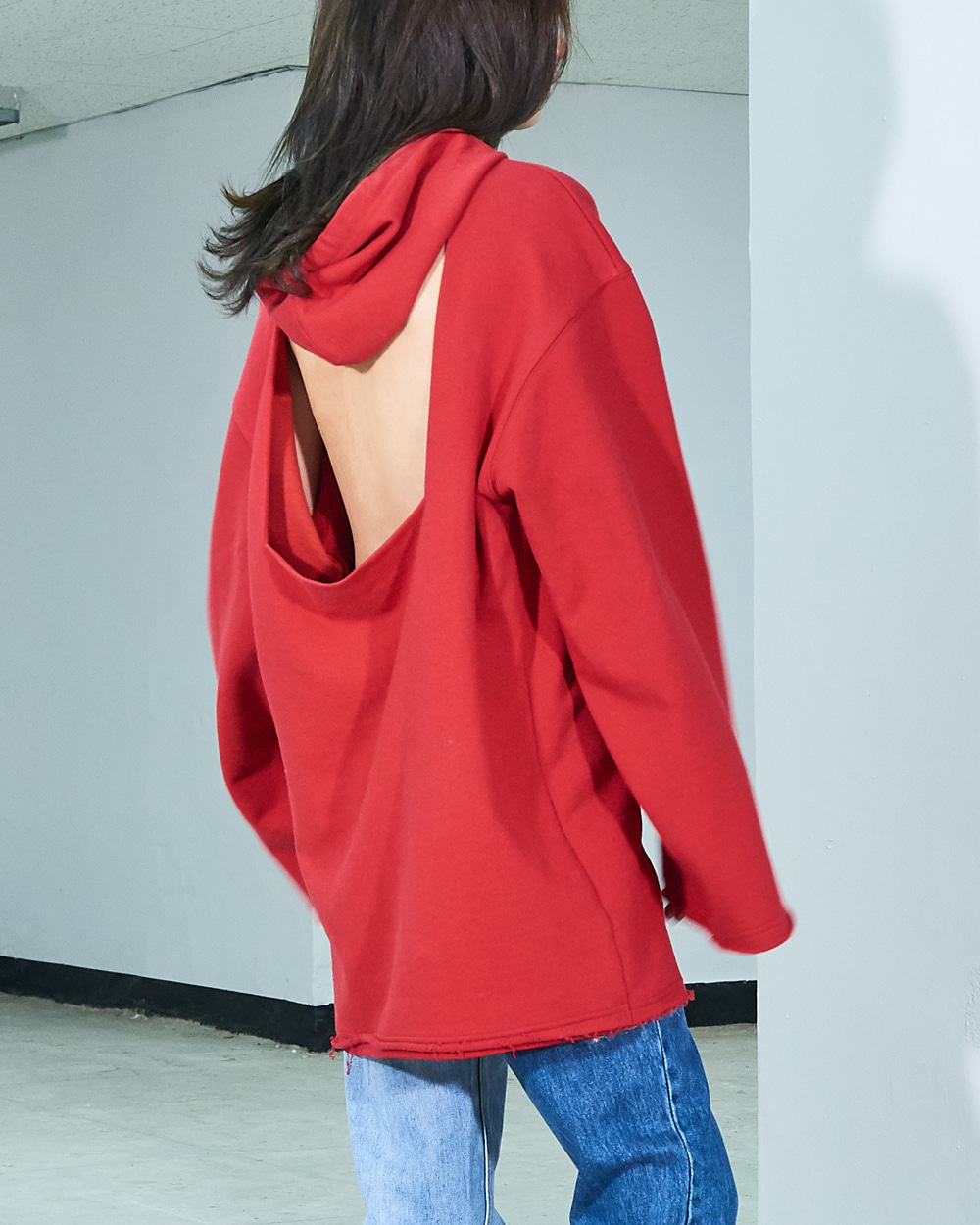 BACK CUTOUT SWEAT HOODY