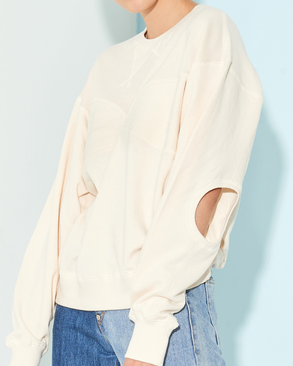 PF19 ELBOW CUTOUT SWEAT TOP