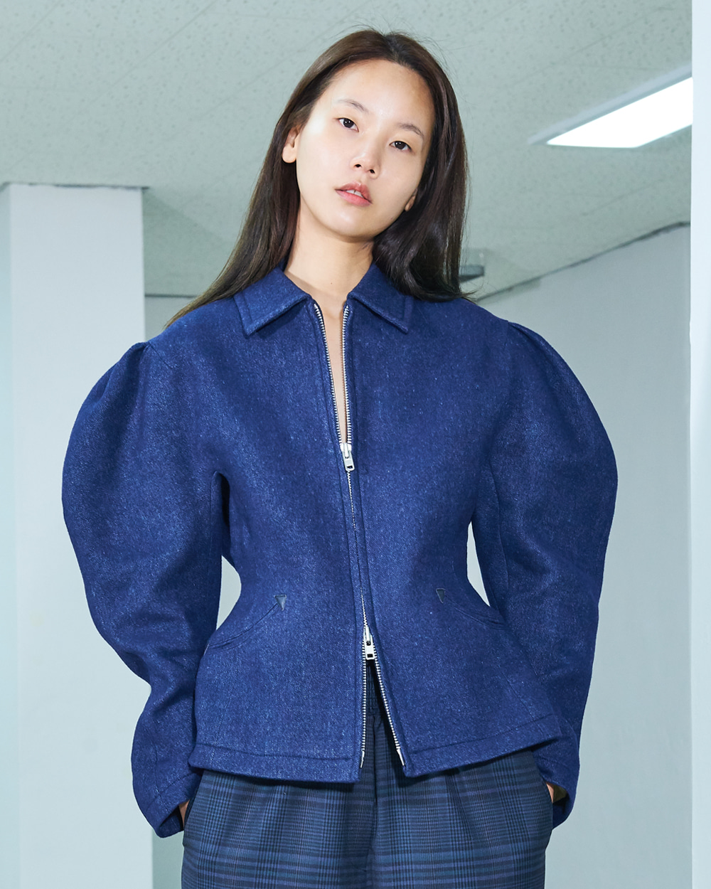 PF19 NAVY PUFF SLEEVED ZIPUP JACKET
