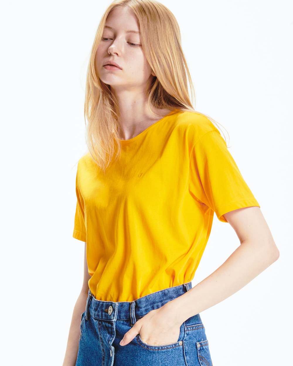 BACK LABEL YELLOW T-SHIRT