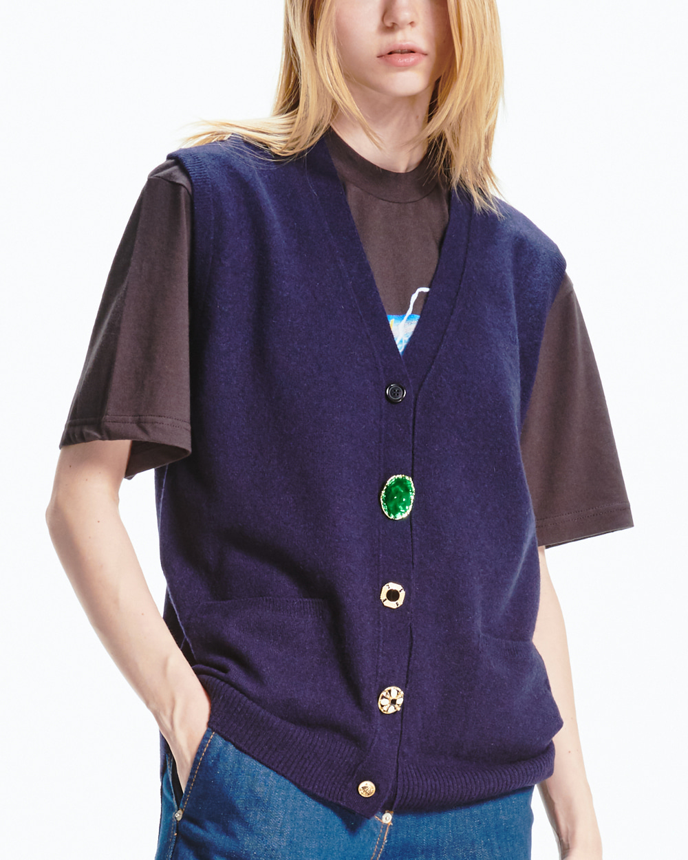 FESTIVAL BUTTONS POINT KNIT VEST