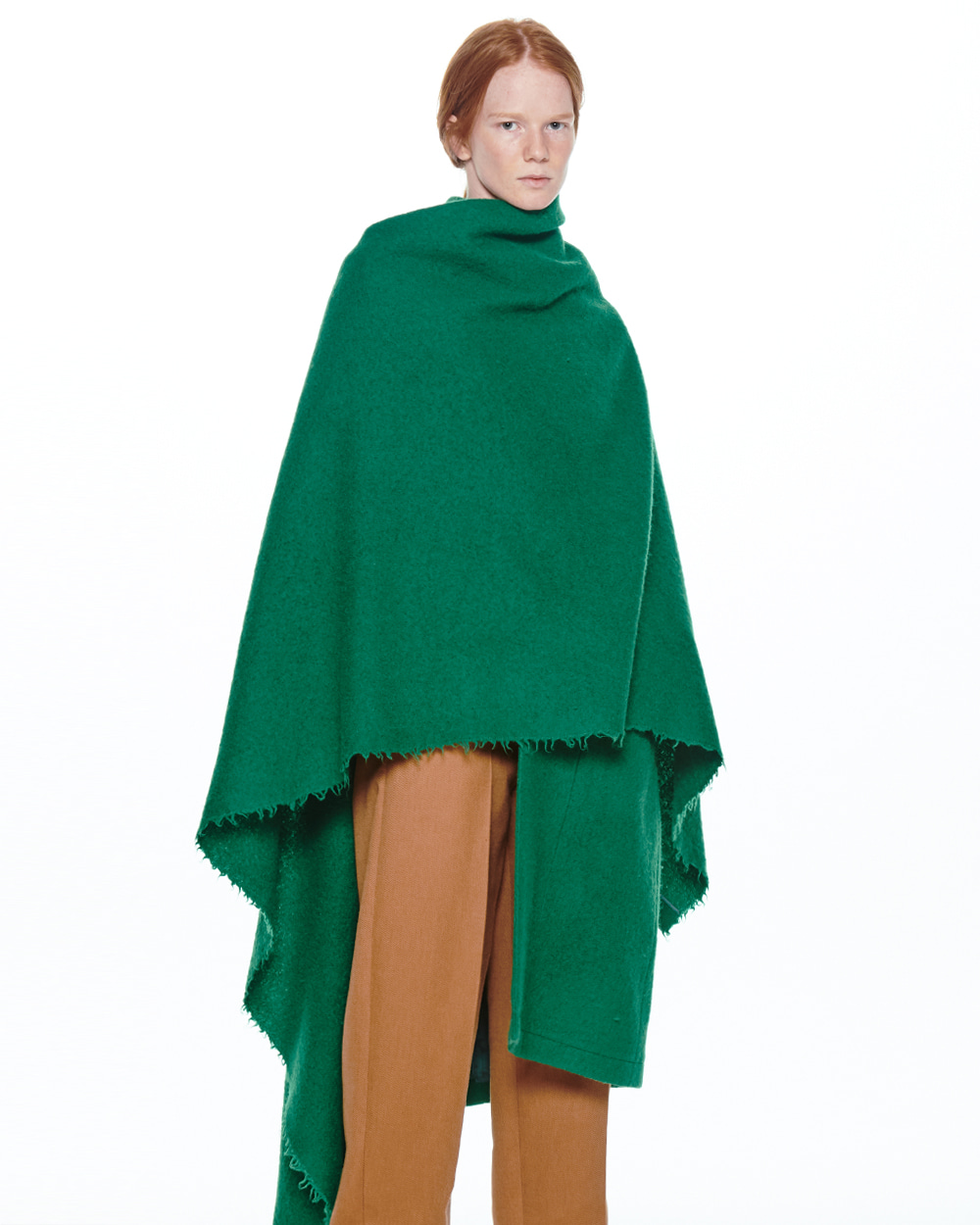 FW20 HALF CAPE GREEN COAT