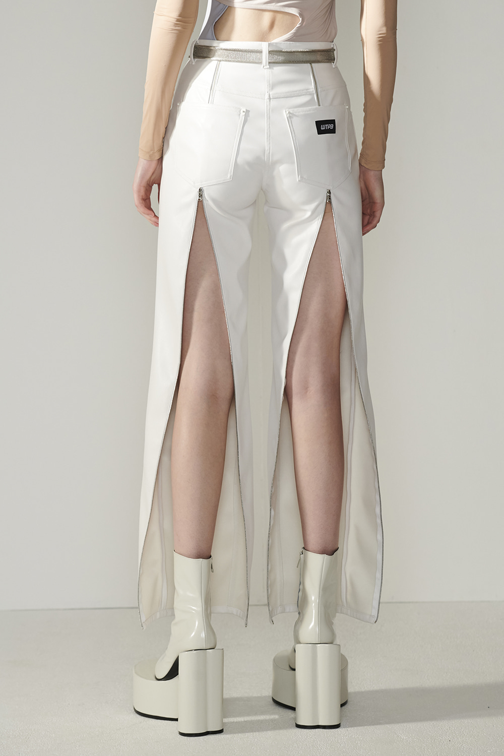 SS21 BACK-ZIP FAUX LEATHER WHITE PANTS